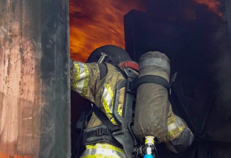 Heißübung im Brandcontainer